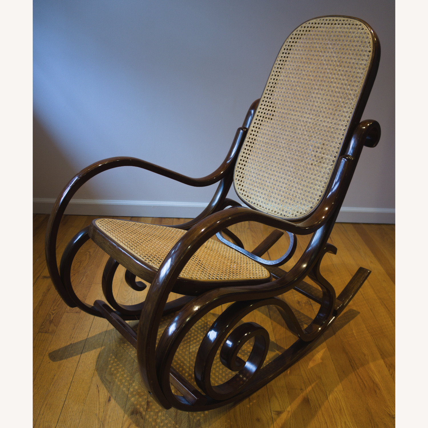 Bentwood Rocker in the Classic Style - image-1