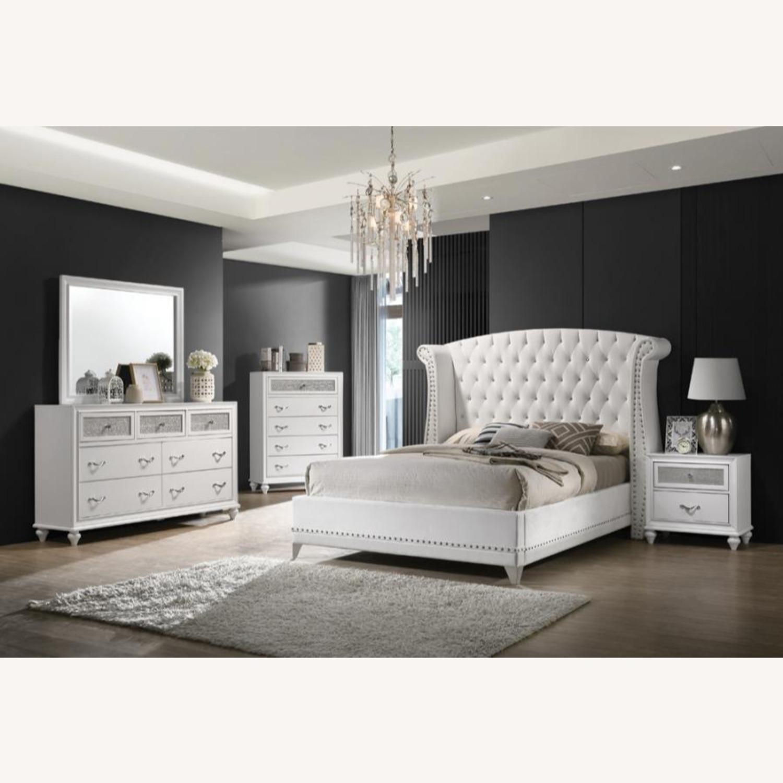 Queen Bed In White Velvet Finish W/ Chrome Legs - image-1