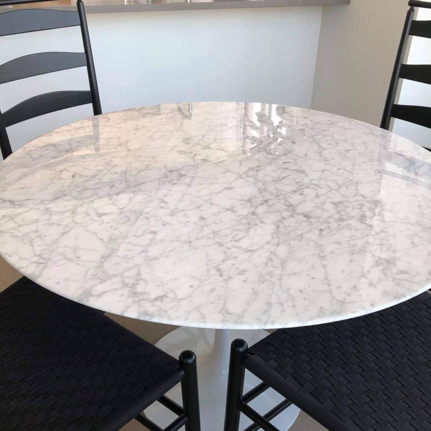 Knoll Saarinen Dining Table with Carrara Marble Top - image-7