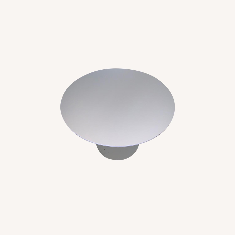 Sunon Round Table with Pedestal Base Moon White - image-0