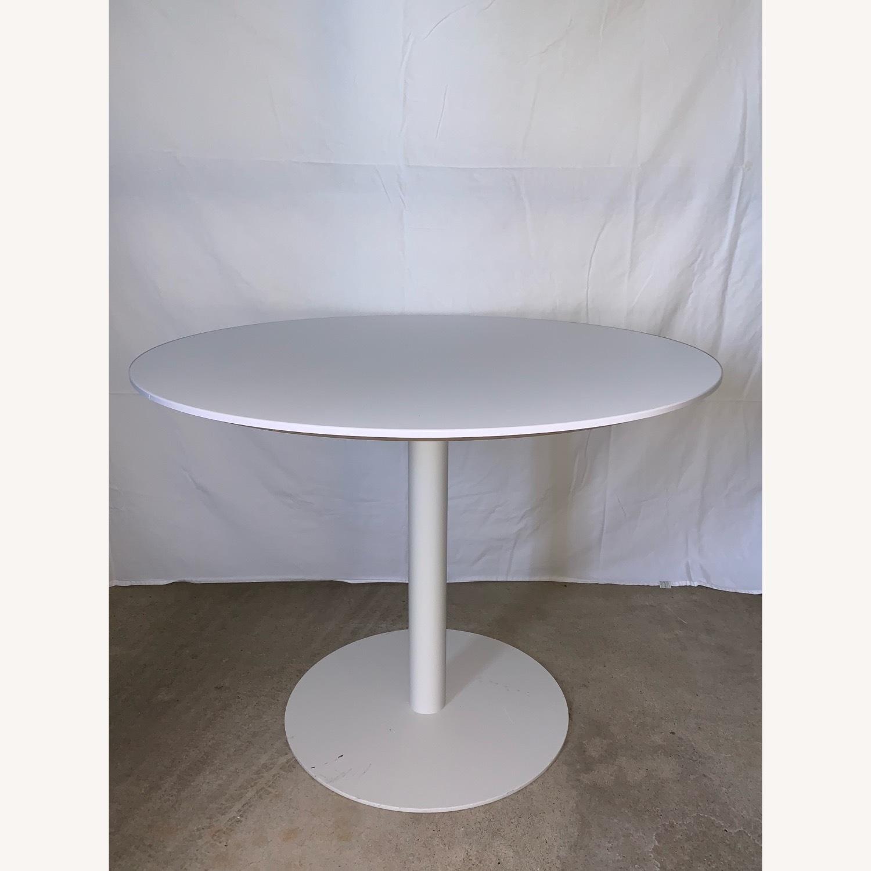 Sunon Round Table with Pedestal Base Moon White - image-2