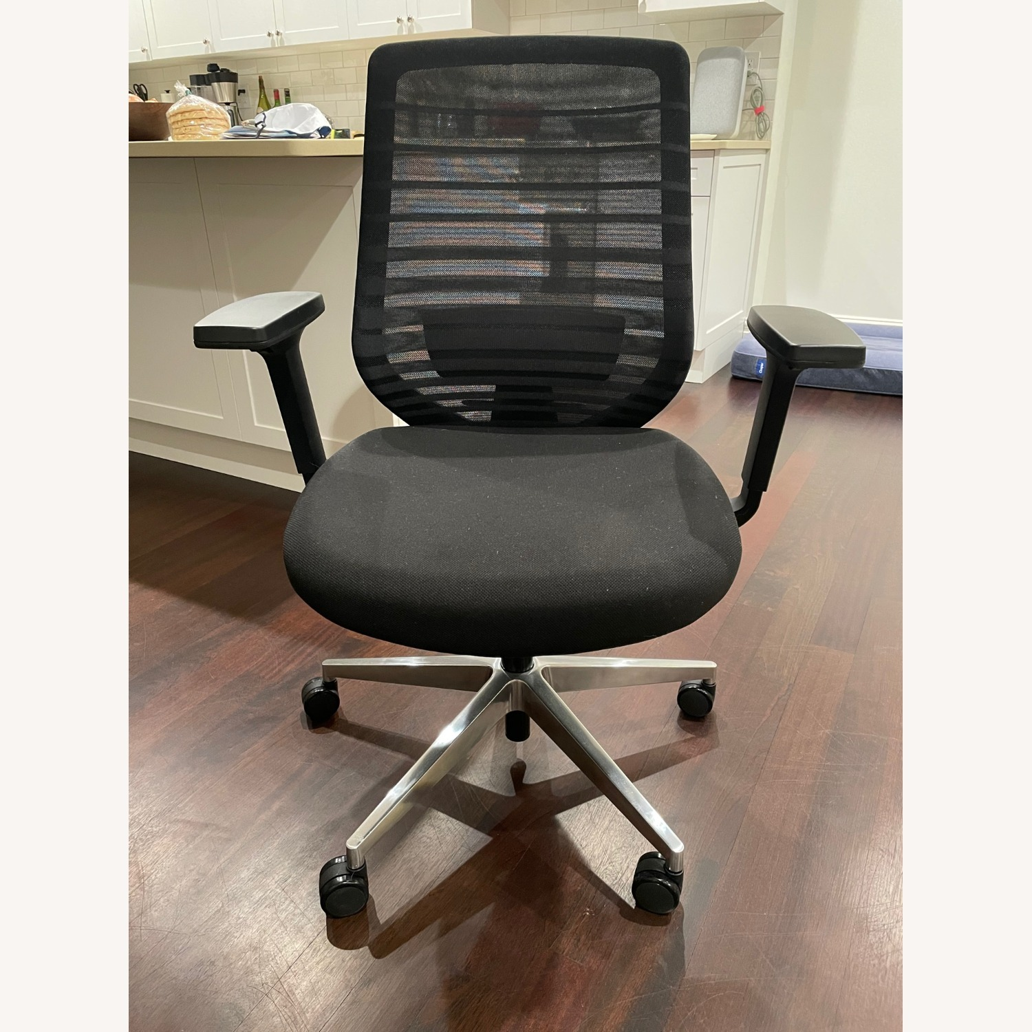 Ergonomic Chair - image-2