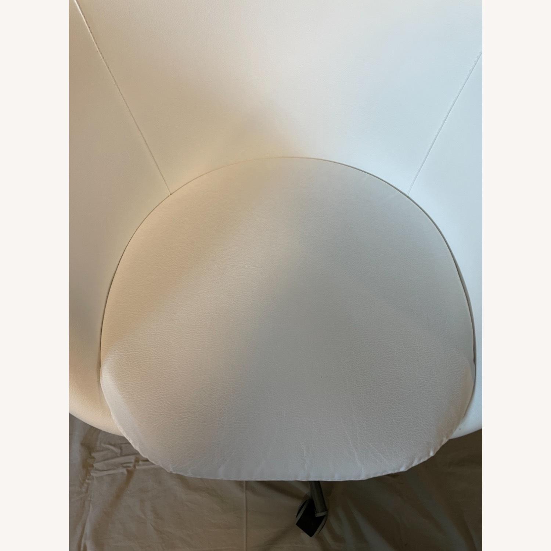 IKEA Skruvsta Swivel Chair, Set of 2 - image-8