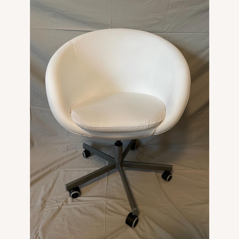 IKEA Skruvsta Swivel Chair, Set of 2 - image-7