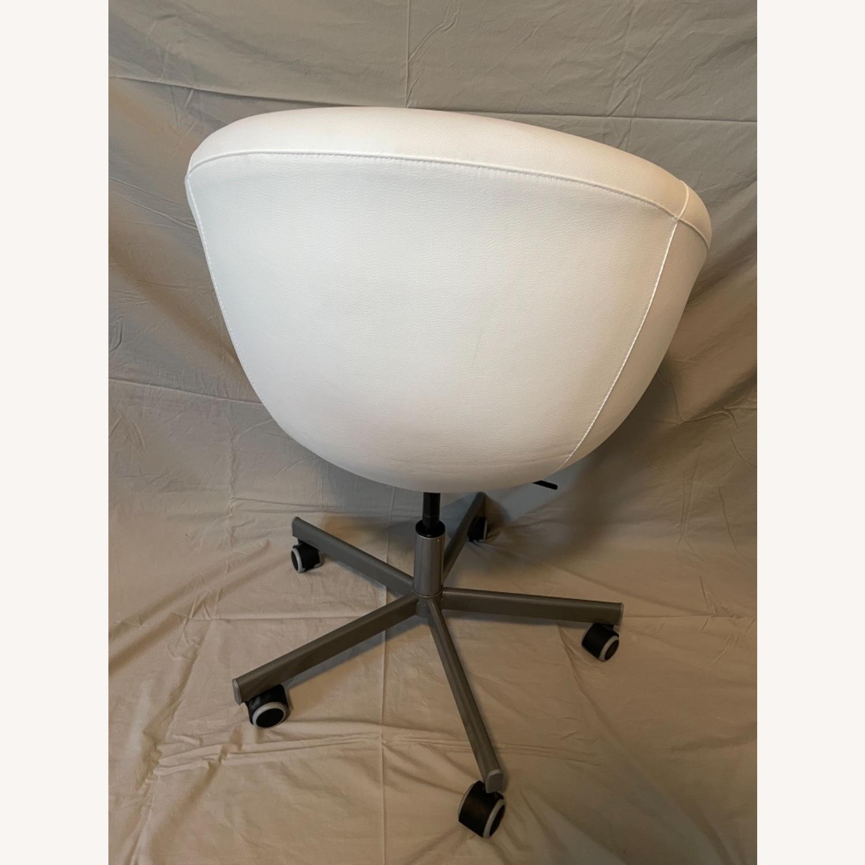 IKEA Skruvsta Swivel Chair, Set of 2 - image-11