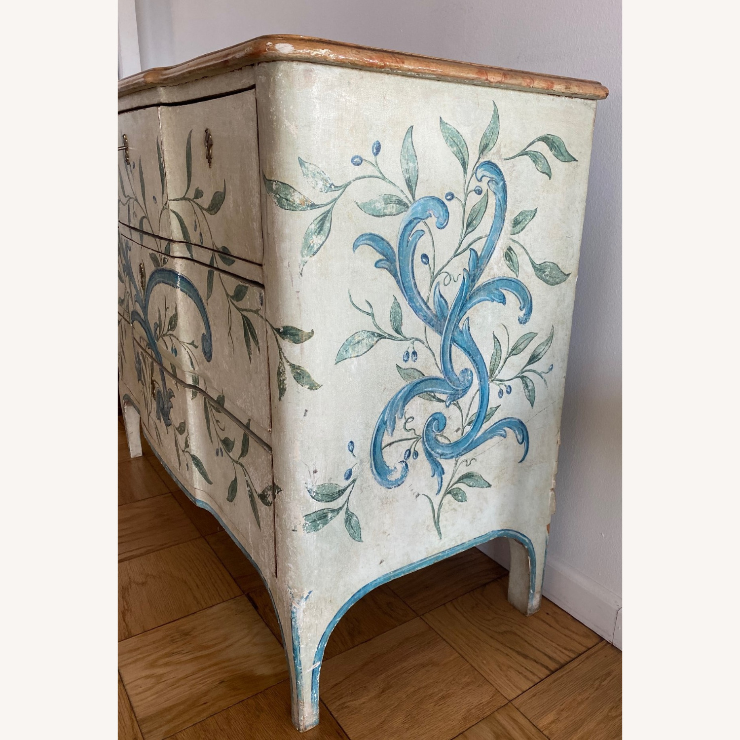 """Shabby Chic"" Painted Dresser/chest - image-1"
