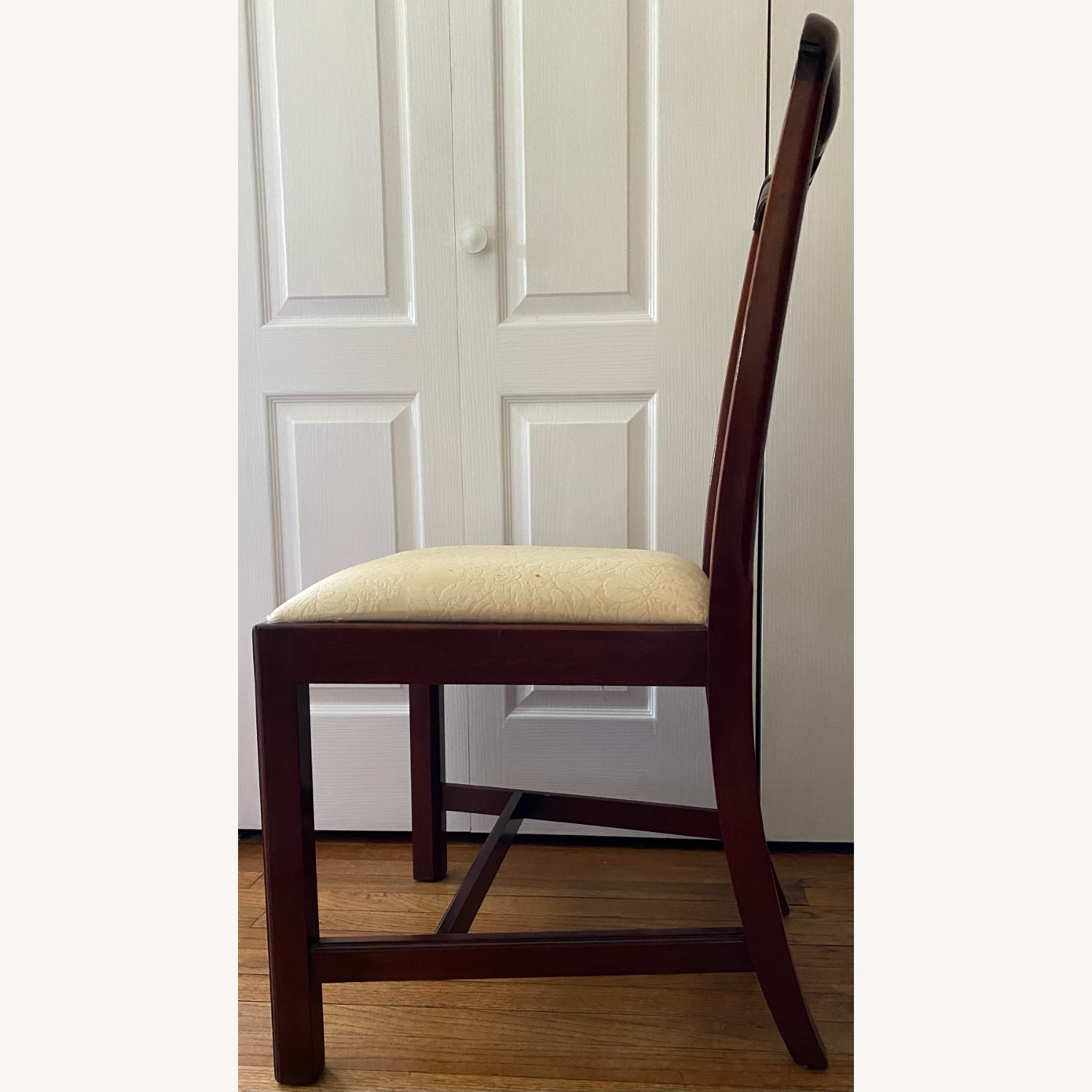 4 Councill Mahogany Chippendale Dining Chairs - image-5