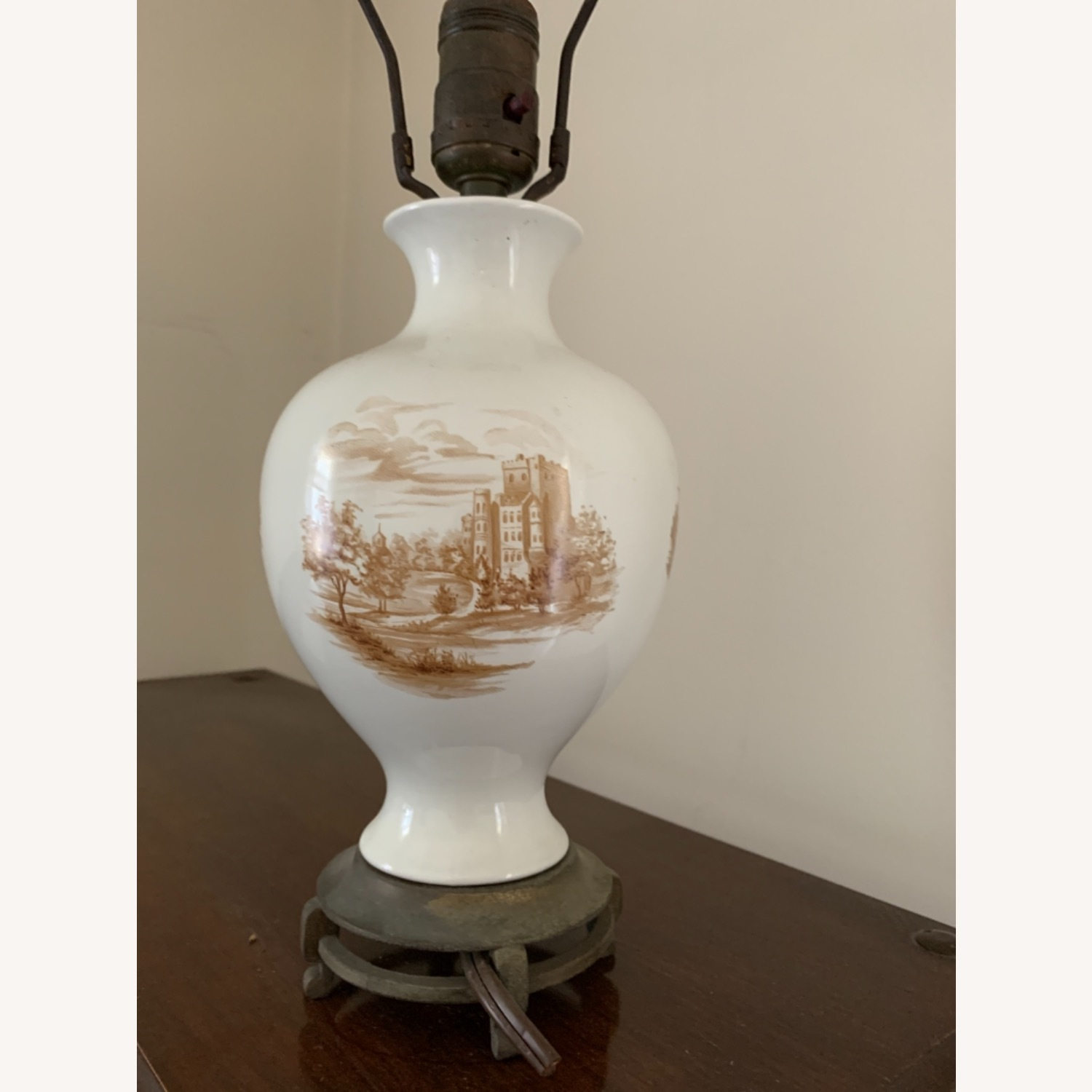 Painted Ceramic Lamp on Brass Base - image-4