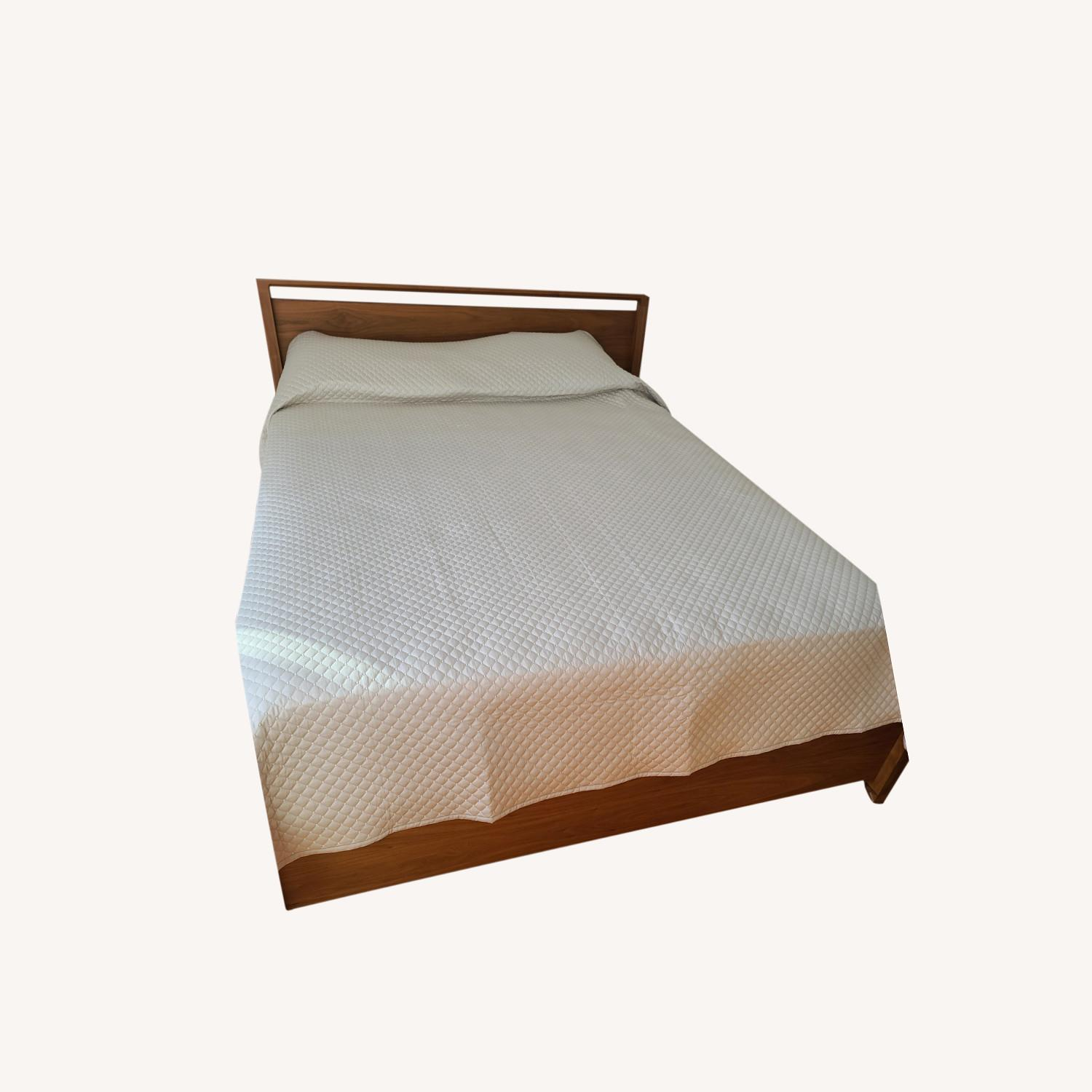 Matera Queens Size Bed - image-0