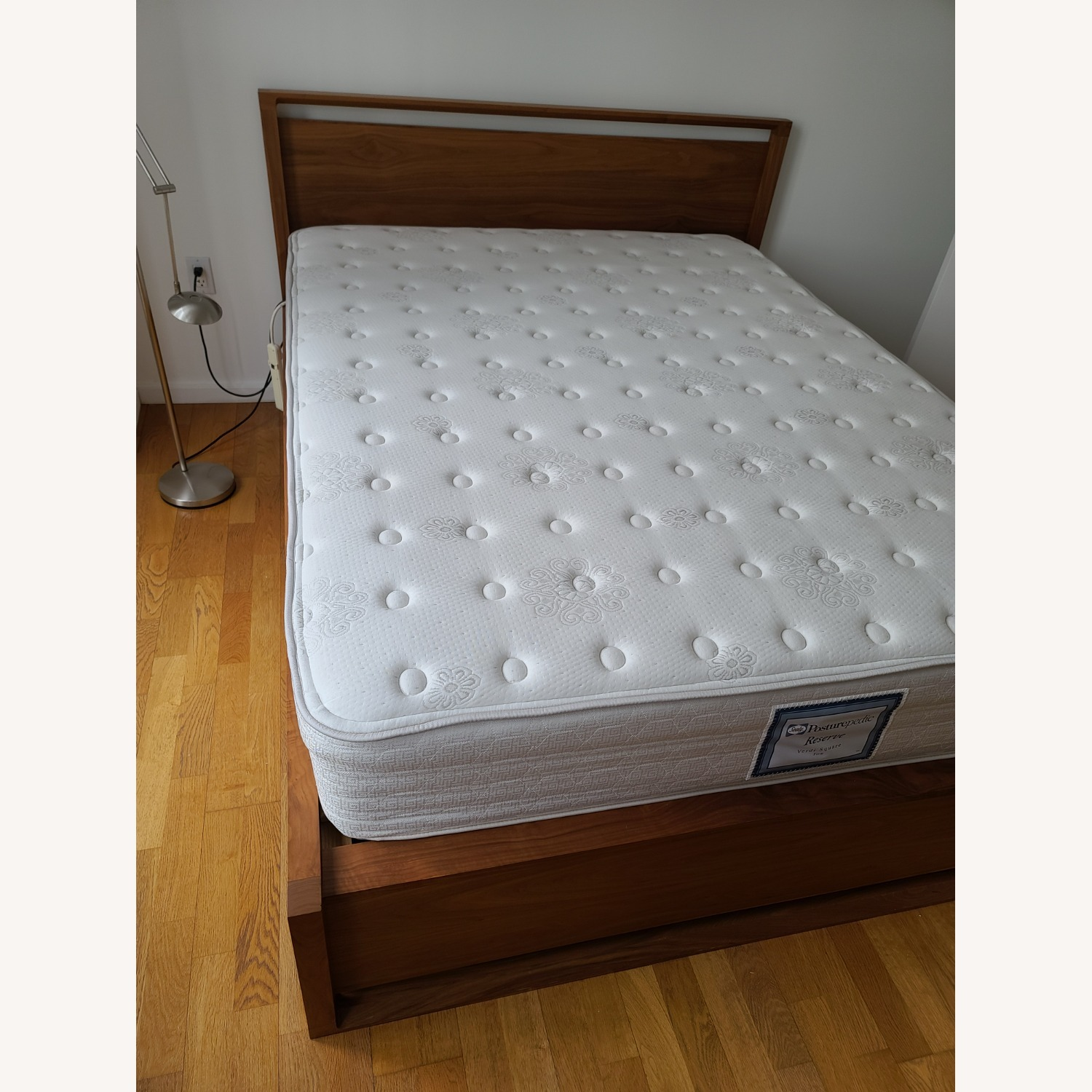 Matera Queens Size Bed - image-9