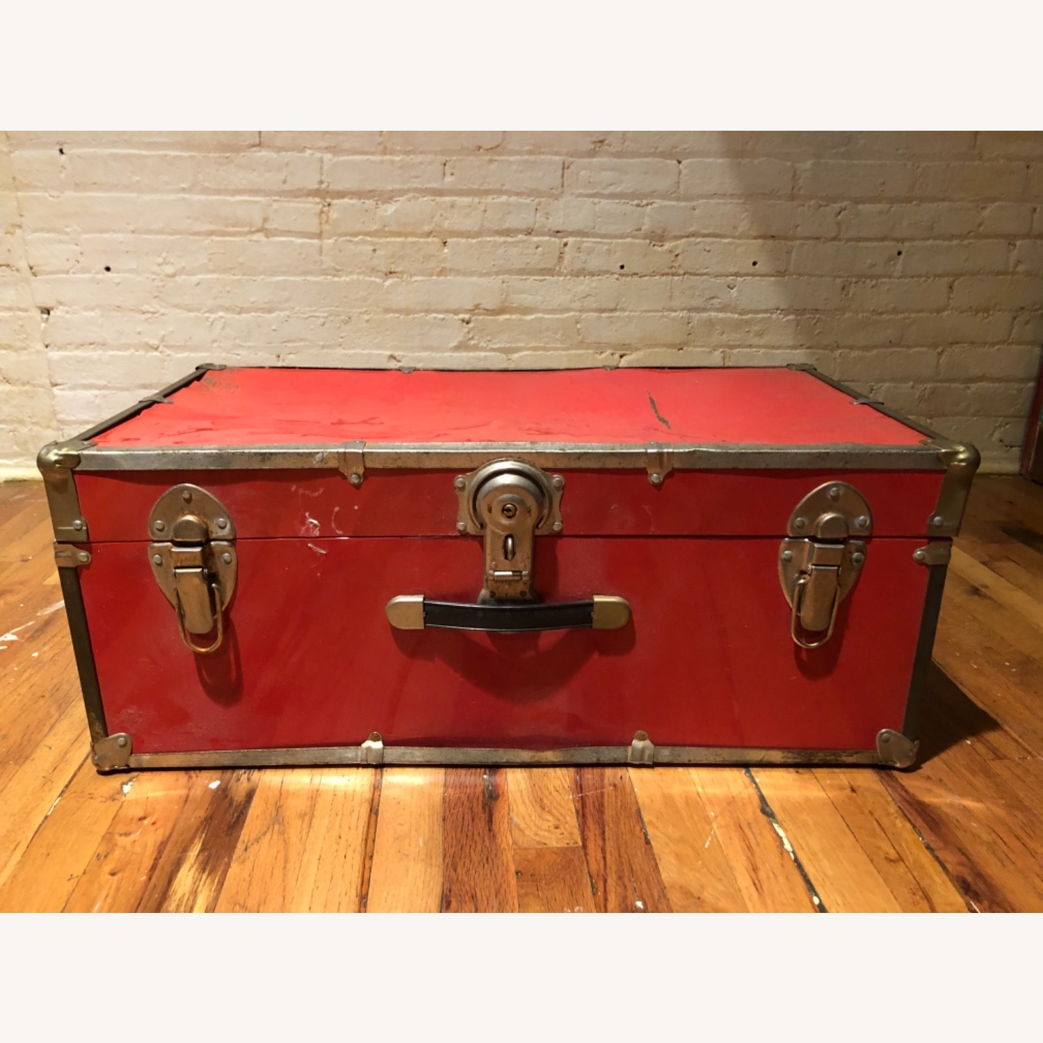Hipster Red Trunk - image-1