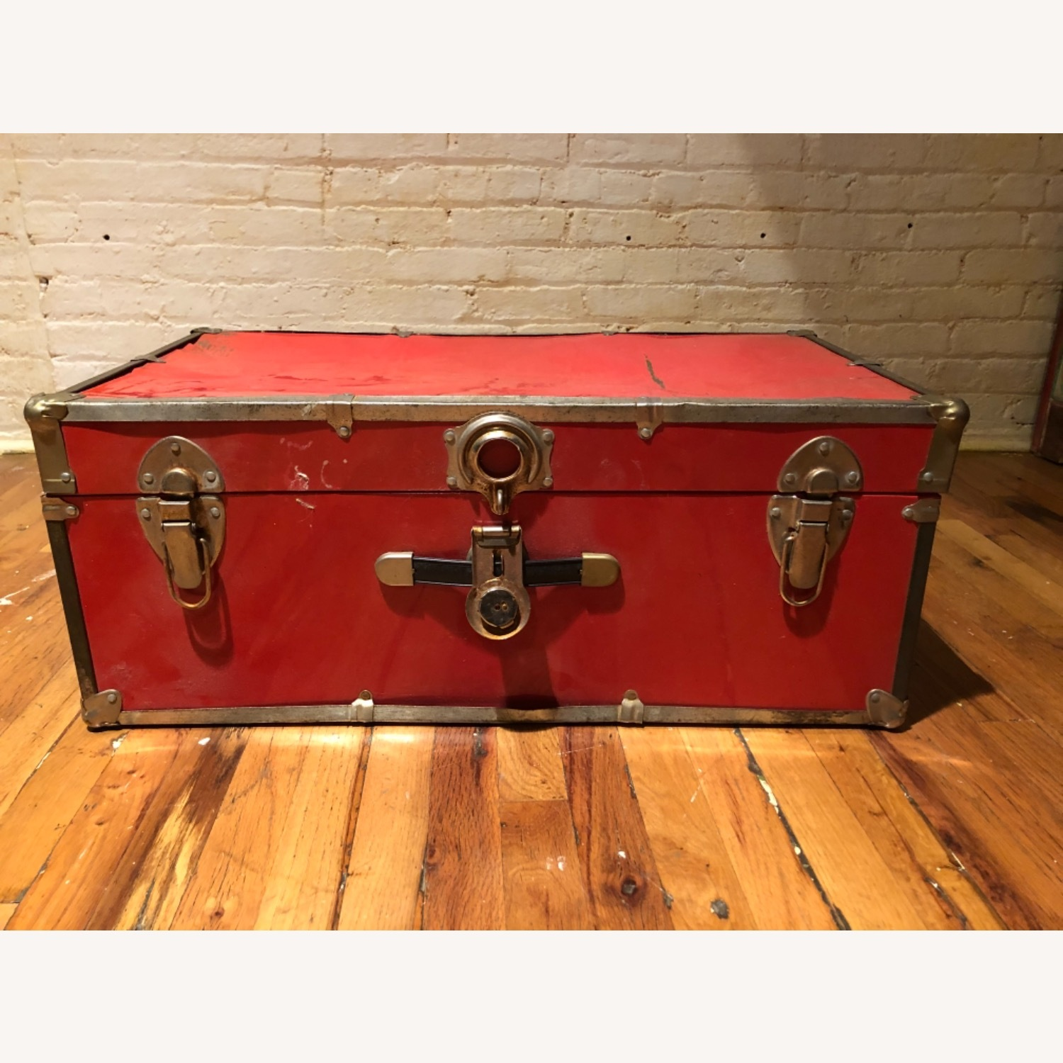 Hipster Red Trunk - image-2