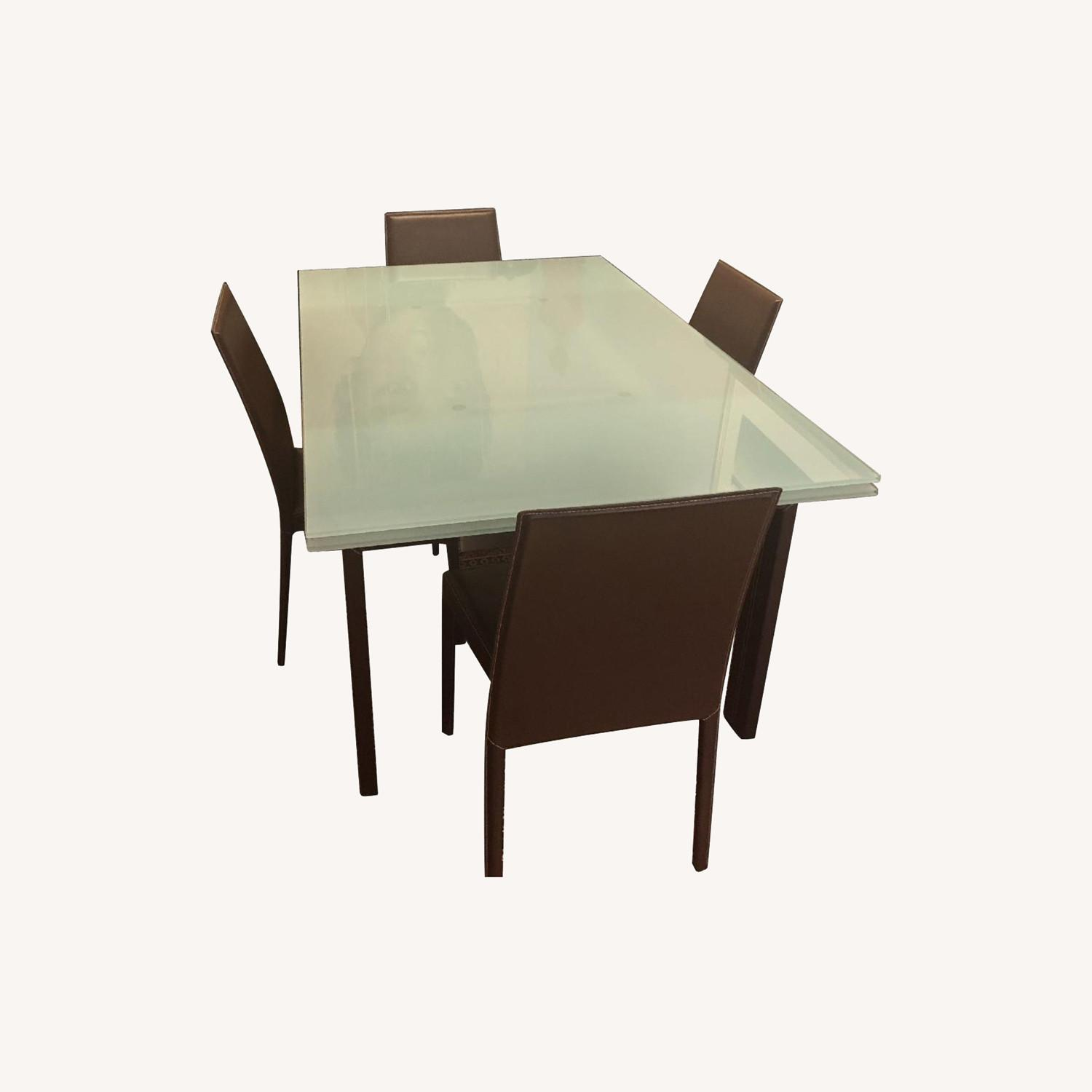 Calligaris Extension Table w/ 4 Chairs - image-0