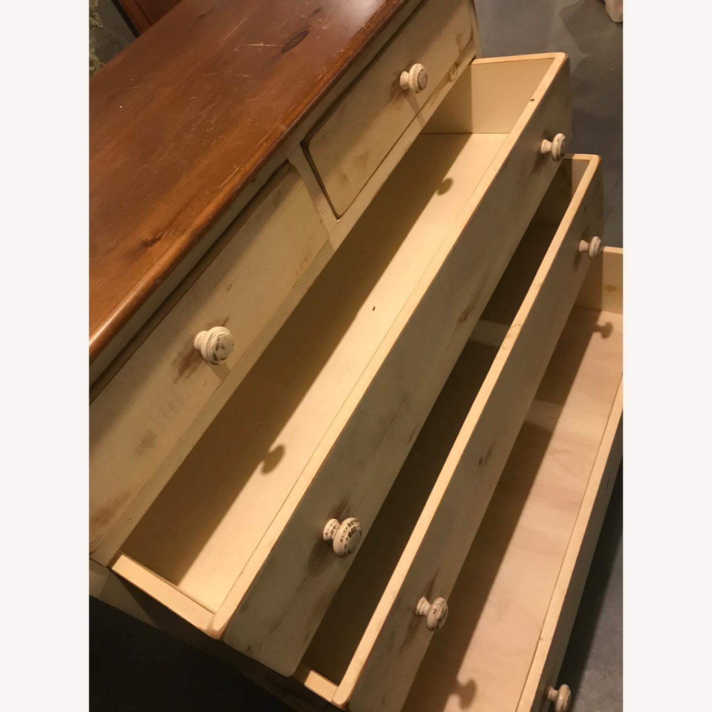 Solid Pine Dresser - Exceptional Craftsmanship - image-4