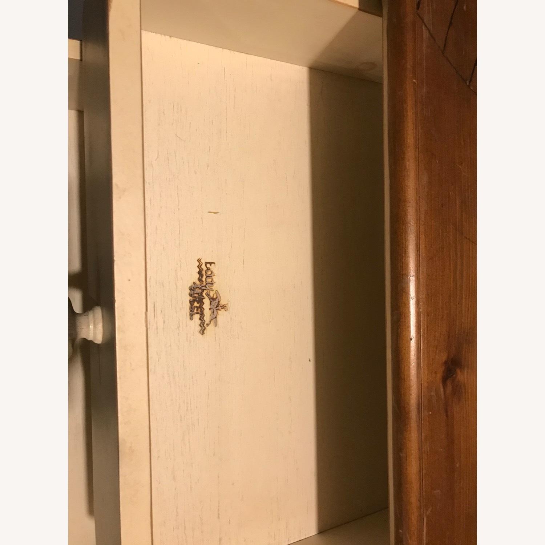 Solid Pine Dresser - Exceptional Craftsmanship - image-5