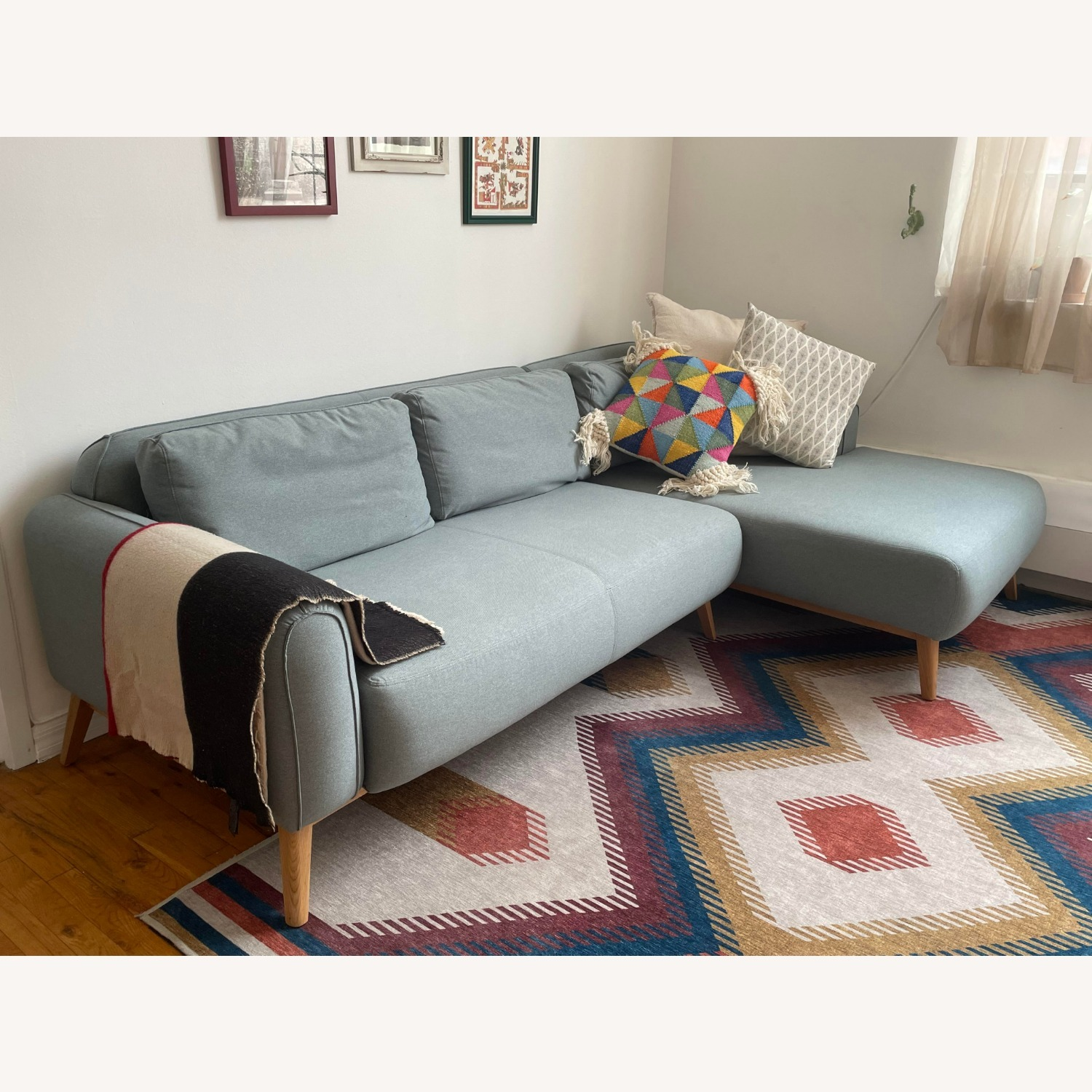 Kardiel Sectional Sofa - image-4