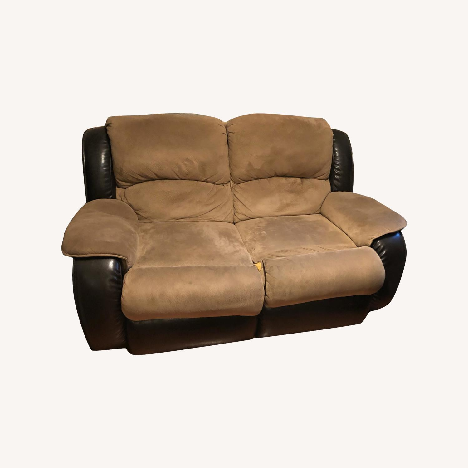Reclining Couch - image-0