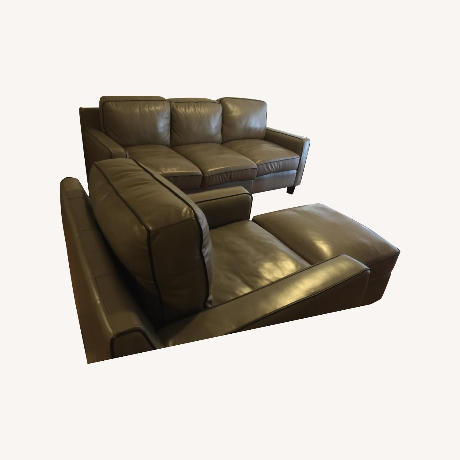 Sofa in Leather 3 Pieces Total - image-0