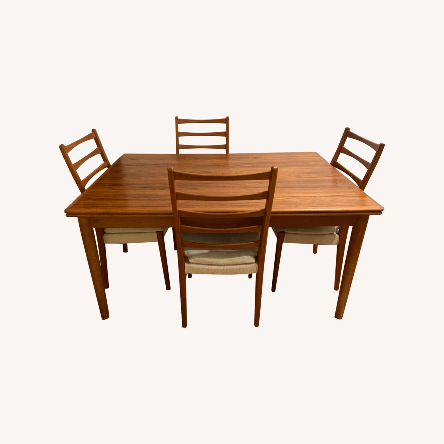 Mid Century Extendable Dining Table w/Four Chairs - image-0