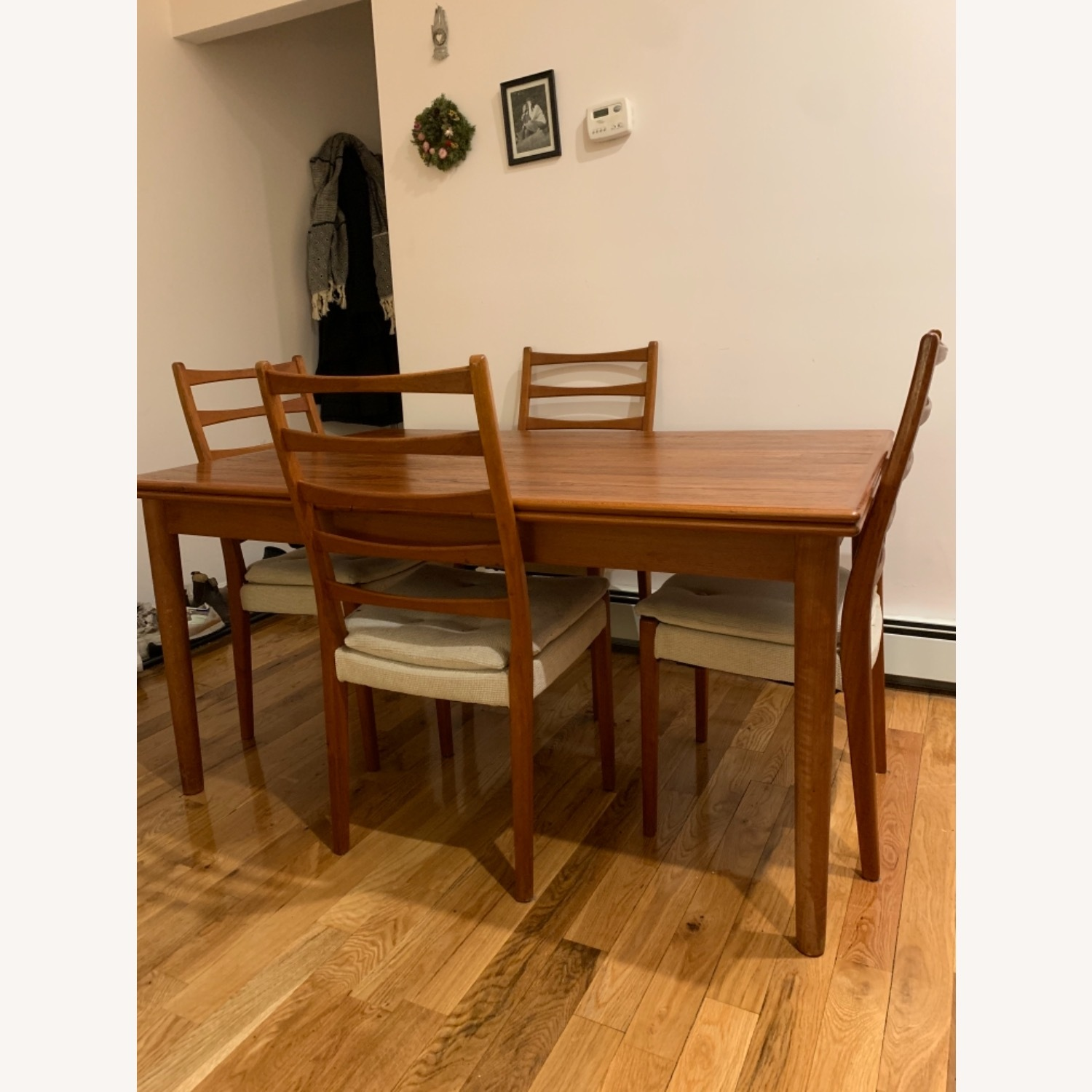 Mid Century Extendable Dining Table w/Four Chairs - image-2