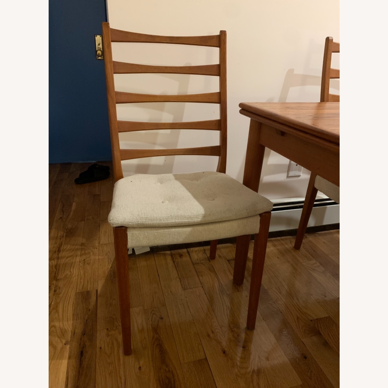Mid Century Extendable Dining Table w/Four Chairs - image-7