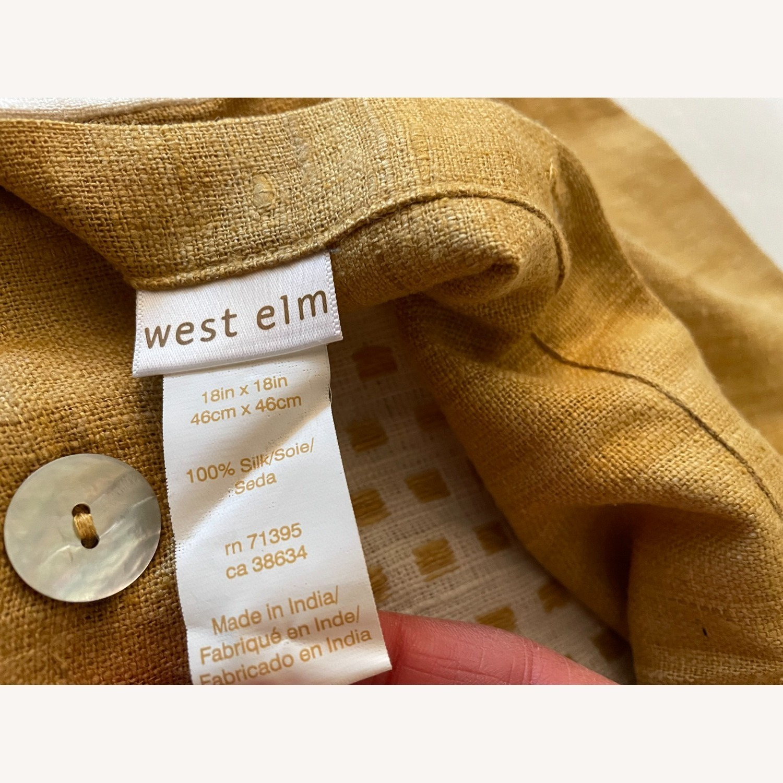 "West Elm Dot Linen Pillow Cover 18""x18"" - image-4"