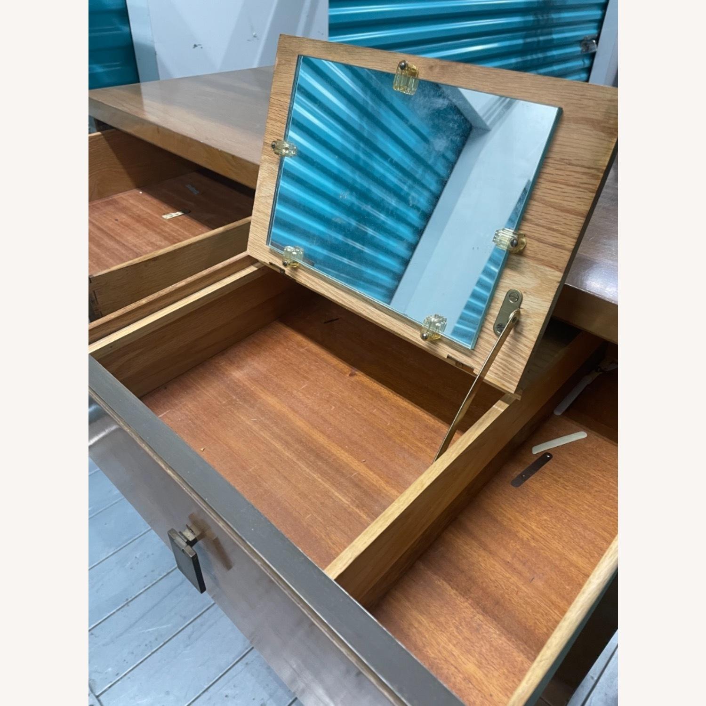 Vintage Mid Century 1950s Dresser - image-15