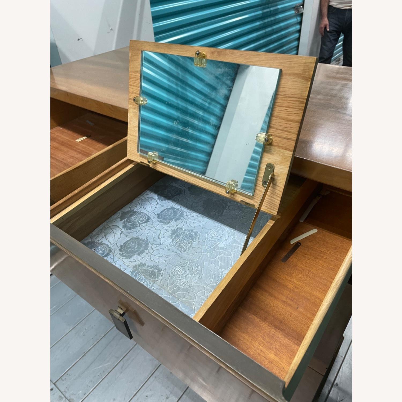 Vintage Mid Century 1950s Dresser - image-16
