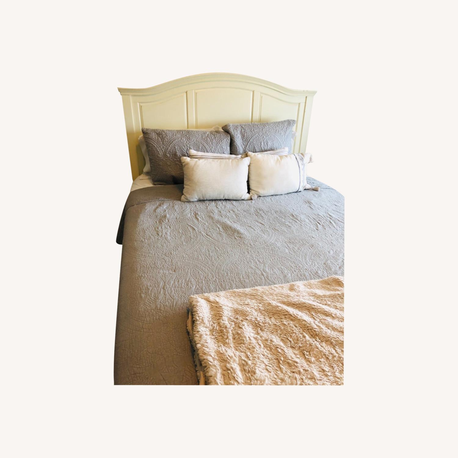 Pottery Barn Queen Sized Headboard (Off-White) - image-0