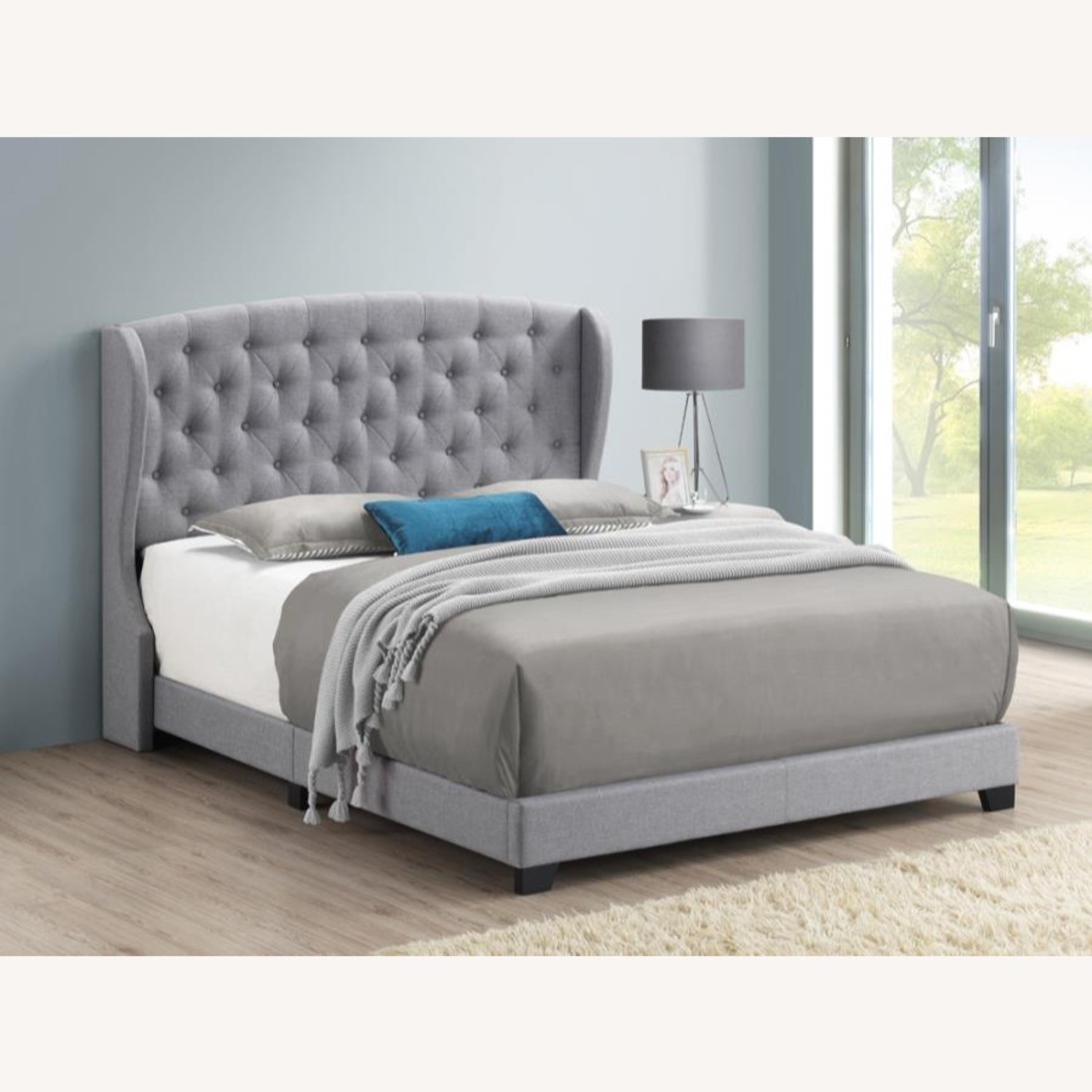 Queen Bed In Grey Linen-Like Fabric Upholstery - image-2