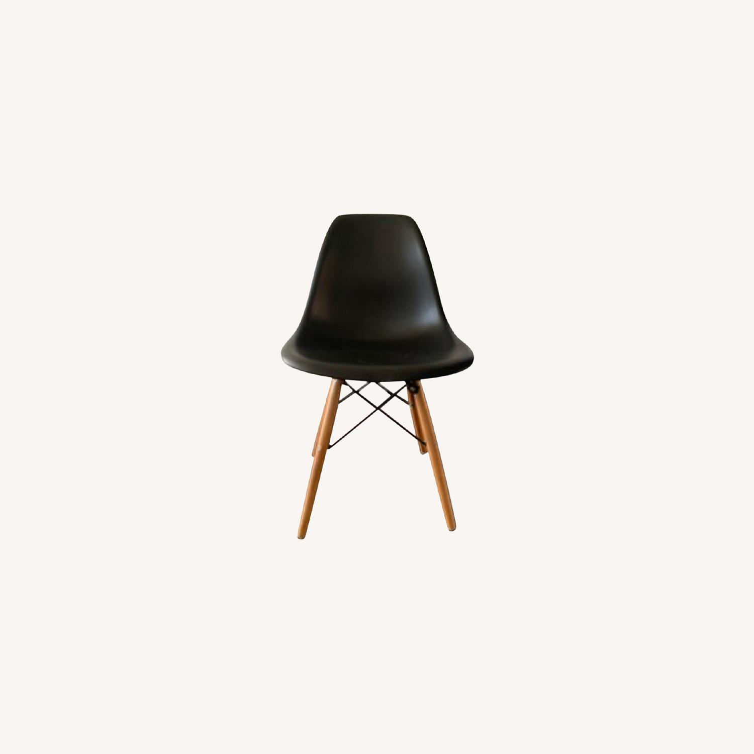 Eames DSW Molded Plastic Side Chairs - Replica x 5 - image-3