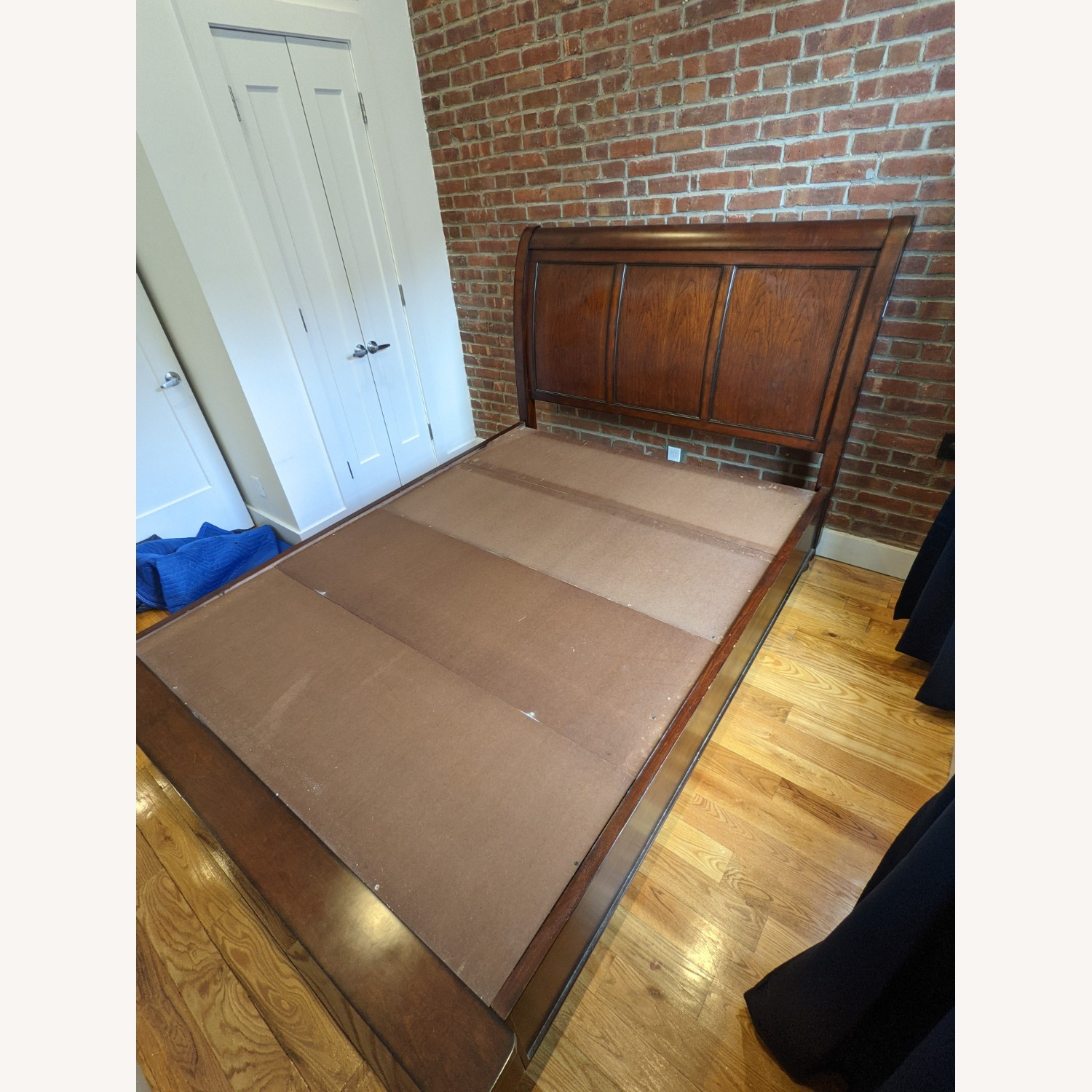 Aspen Home Queen Sleigh Bed with Storage Footboard - image-3