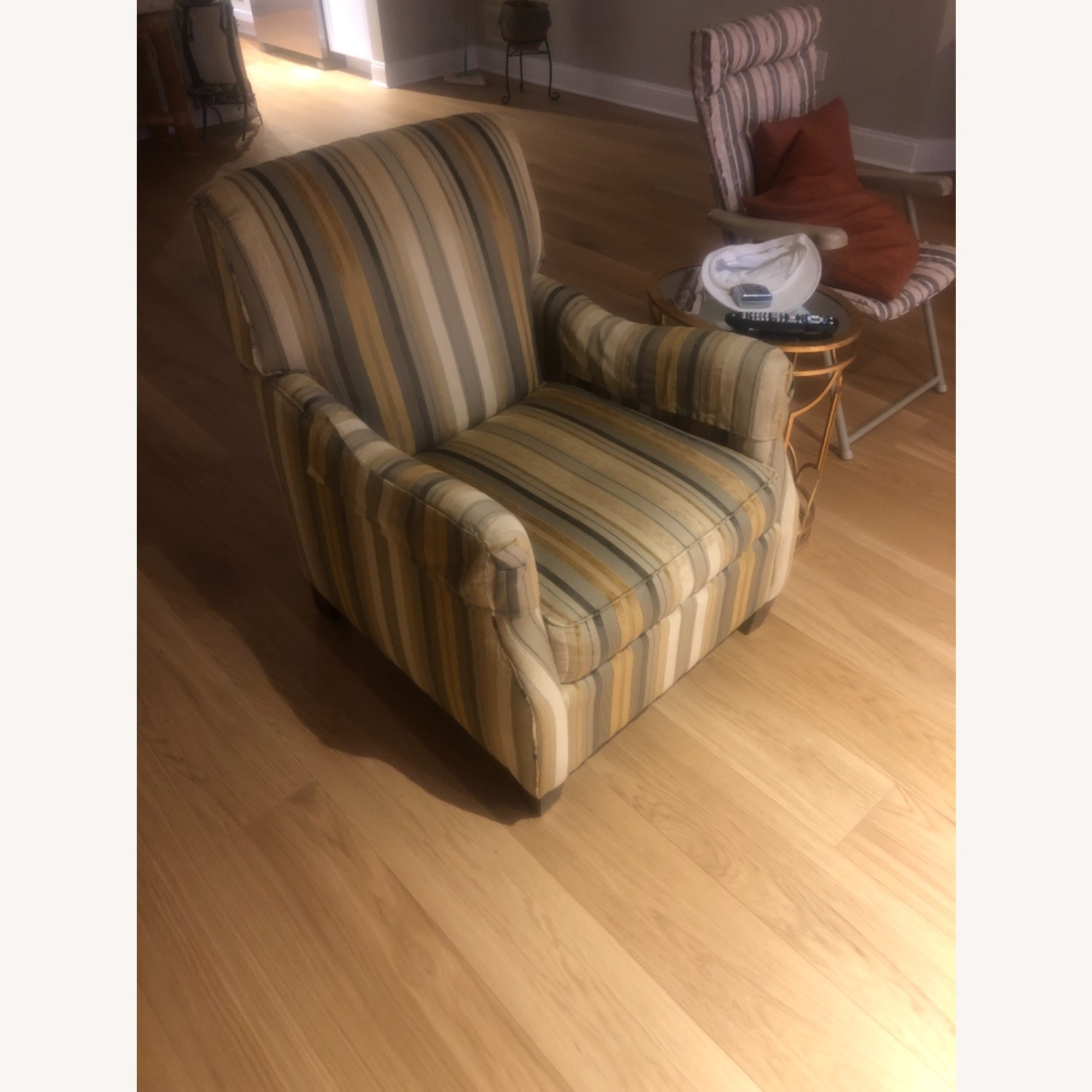 Dennis LennerVery Cushioned Comfortable Arm Chair - image-2
