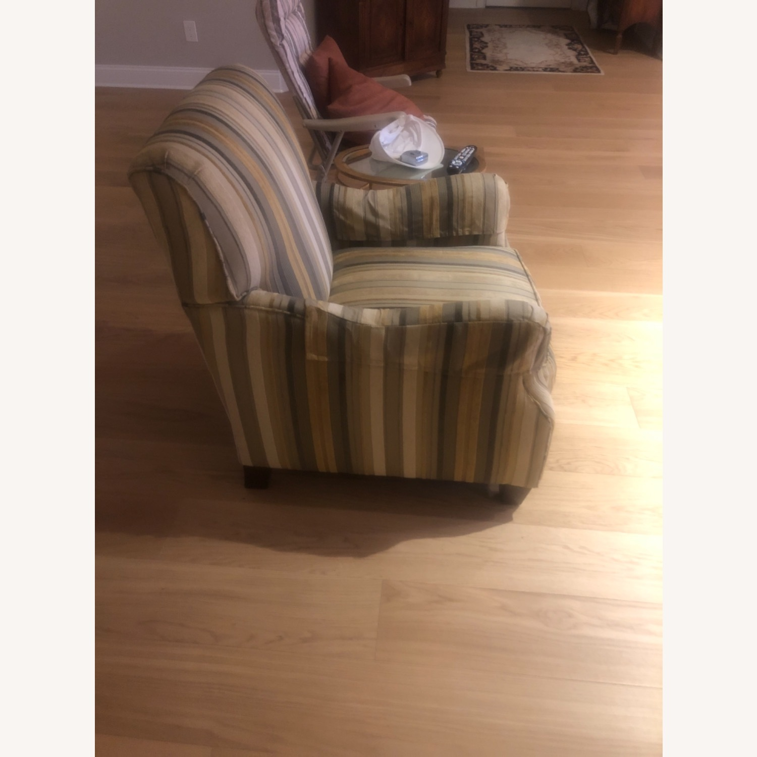 Dennis LennerVery Cushioned Comfortable Arm Chair - image-3