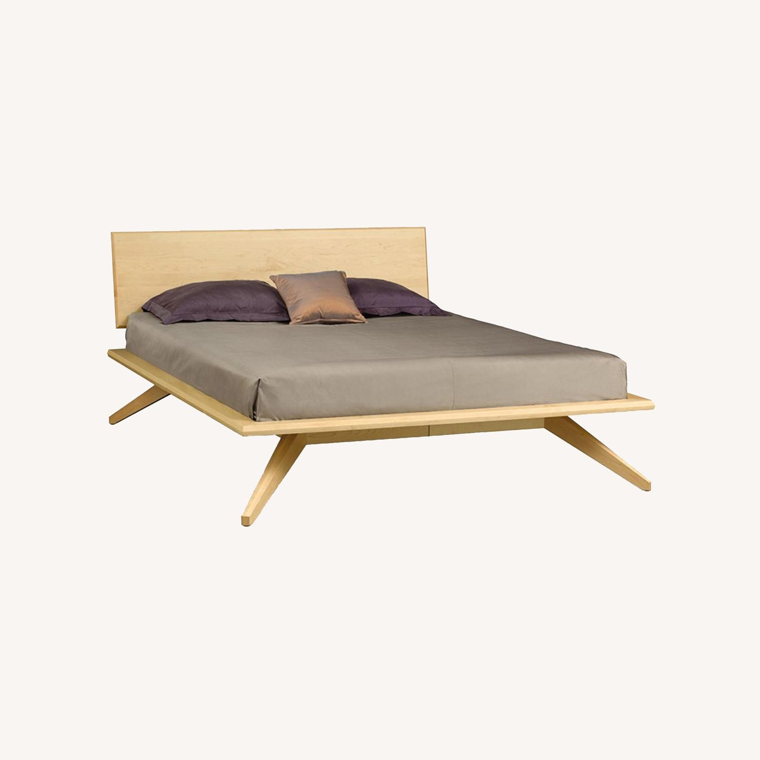 Copeland Maple Wood Queen bed - image-0