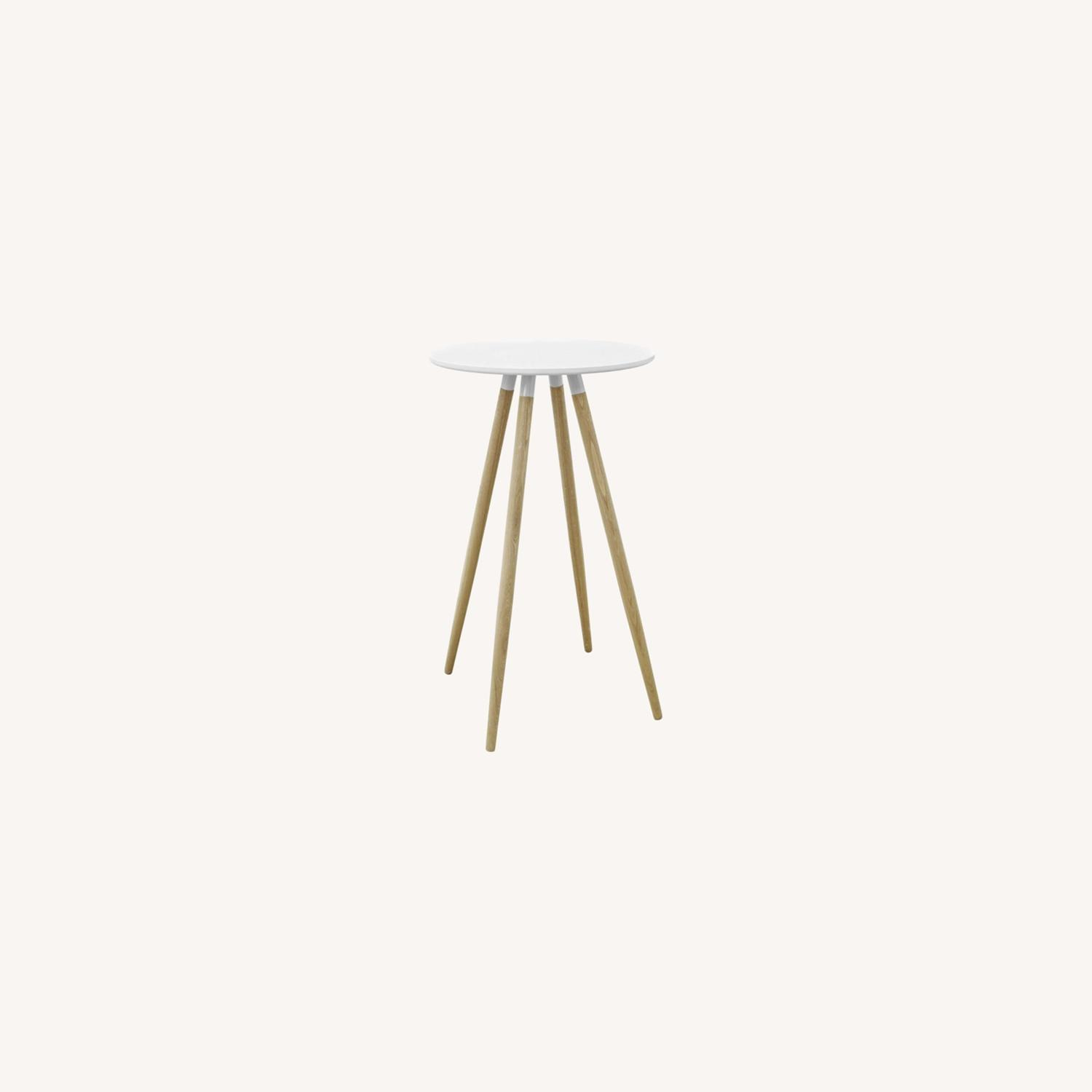 Track White Round Bar Table - image-0