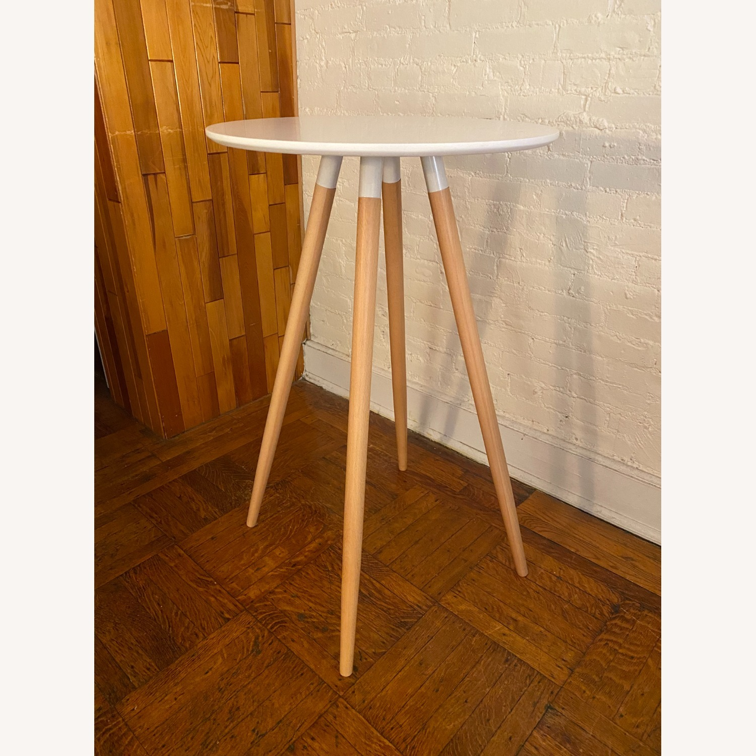 Track White Round Bar Table - image-3