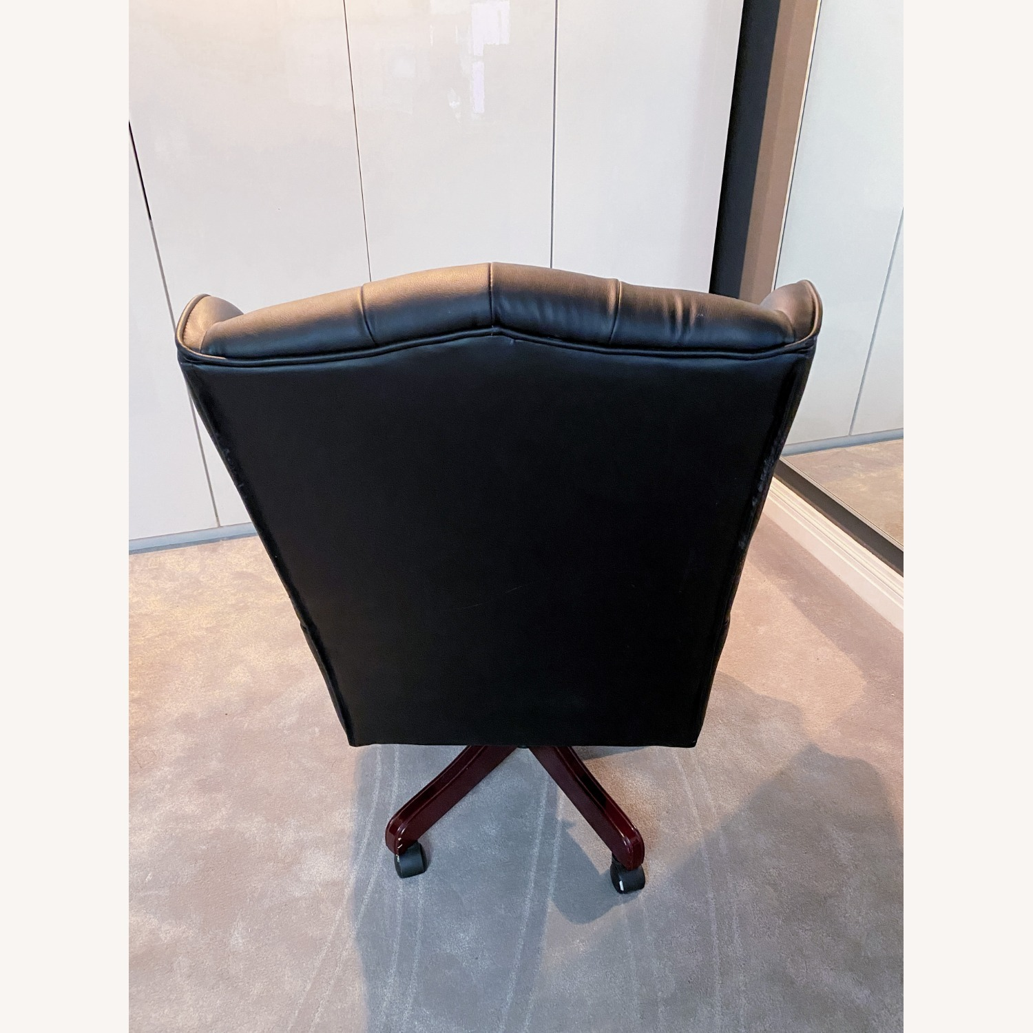 High Quality Executive Office Chair - image-5