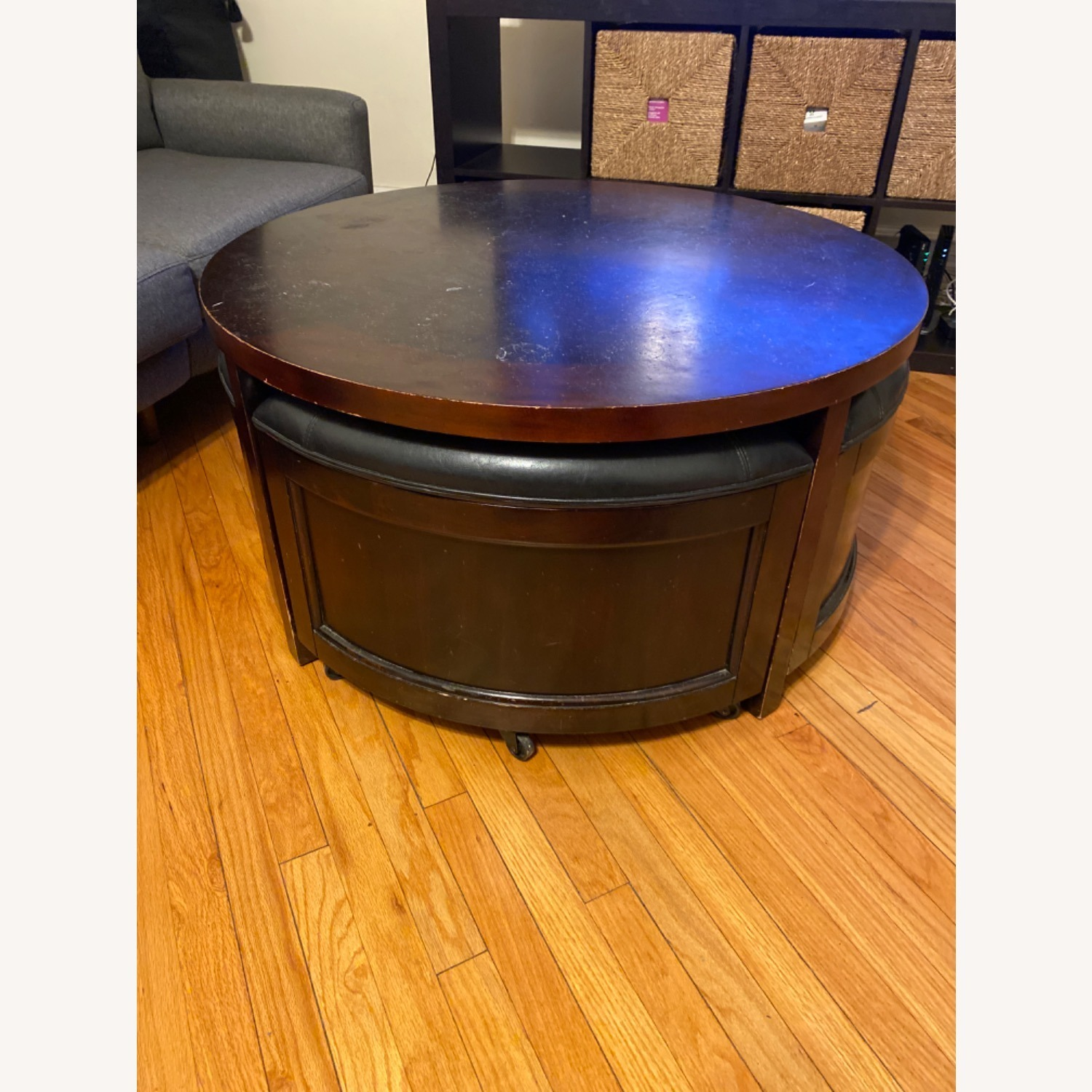 Hammary Round Coffee Table and Nesting Ottomans - image-3