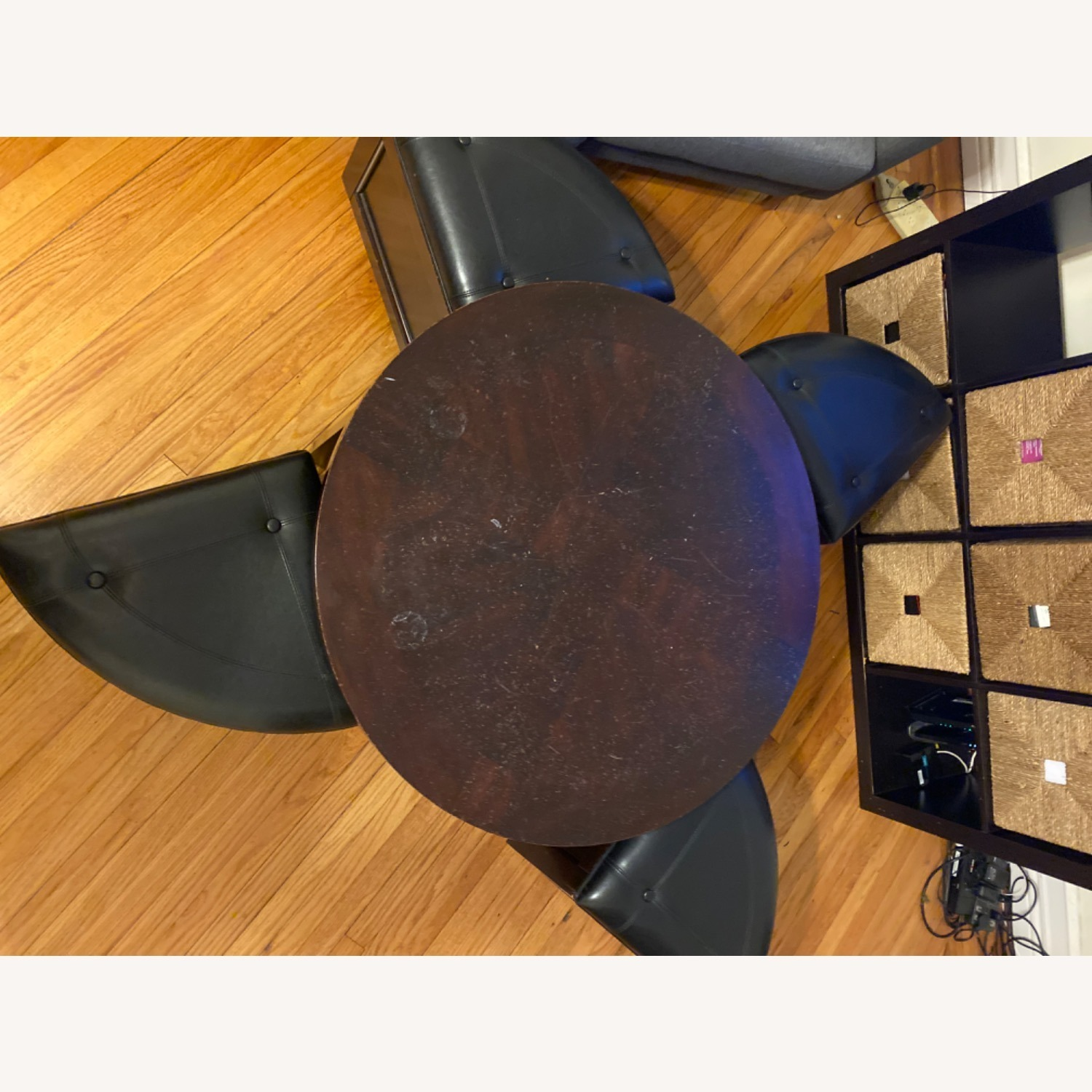 Hammary Round Coffee Table and Nesting Ottomans - image-2