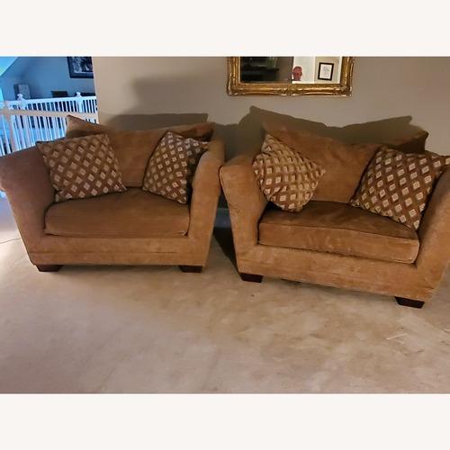 Used Henredon Oversized Chairs for sale on AptDeco