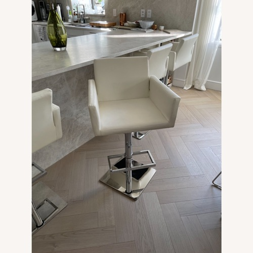 Used Modani Modern White Stools for sale on AptDeco