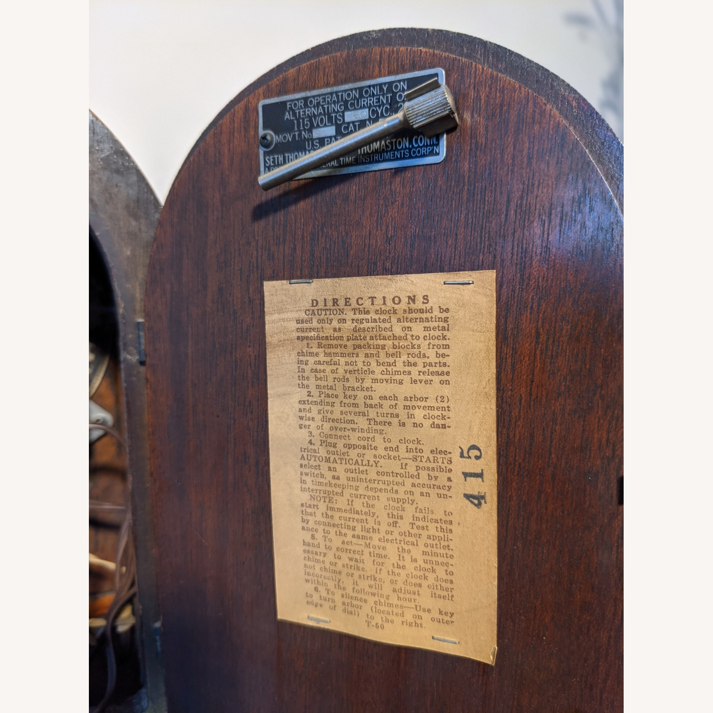 Handsome Vintage Seth Thomas Clock - image-6
