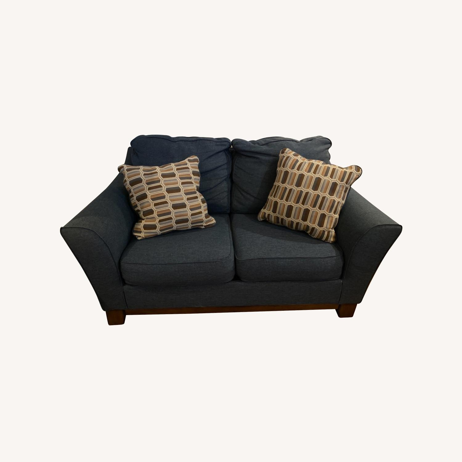 Blue Loveseat with Original Accent Pillows - image-0