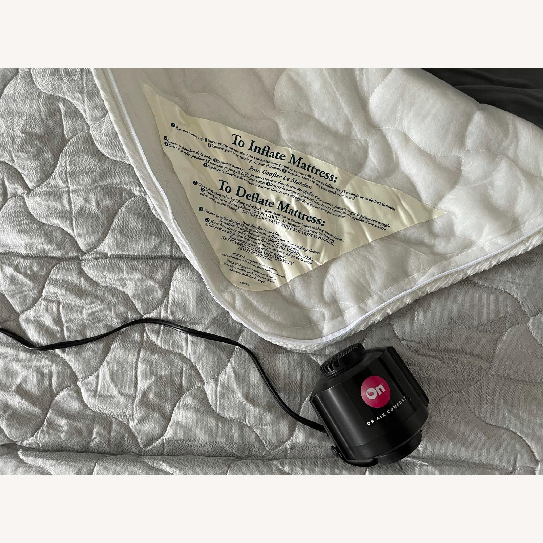 """Room & Board Metro 88"""" 3-Cushion Queen Sleeper Sofa - image-9"""