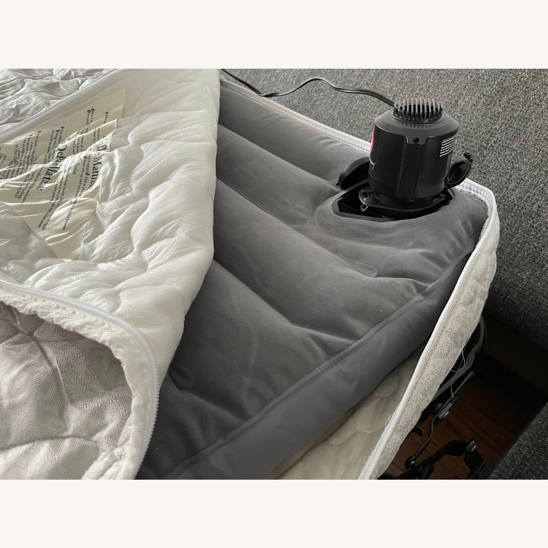 """Room & Board Metro 88"""" 3-Cushion Queen Sleeper Sofa - image-12"""