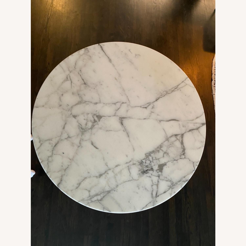 Eero Saarinen Dining Table (Arabescato Marble) - image-2