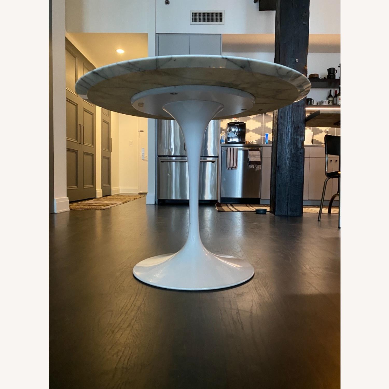 Eero Saarinen Dining Table (Arabescato Marble) - image-1
