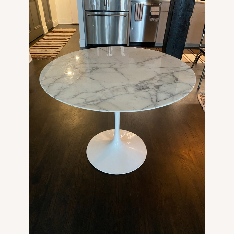 Eero Saarinen Dining Table (Arabescato Marble) - image-0