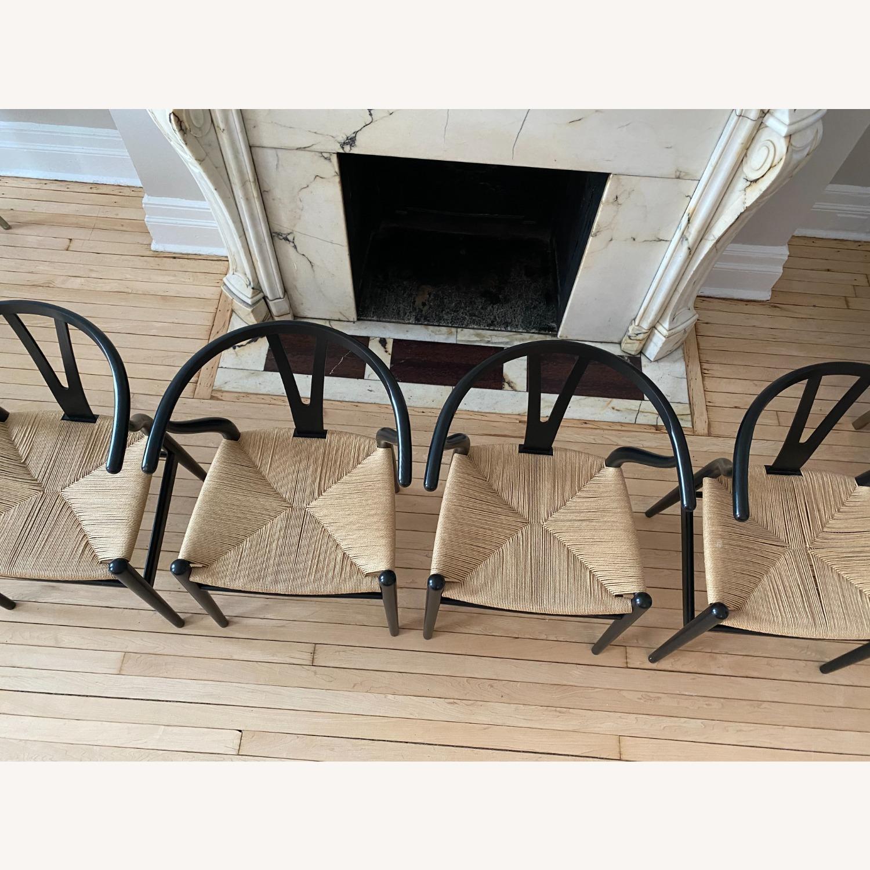 CH24 Black Wishbone Chairs set of 4 - image-4